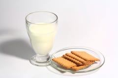 玻璃牛奶 库存照片