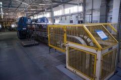 玻璃瓶工厂在秋明州 俄国 库存图片