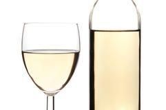 玻璃瓶白葡萄酒 库存图片