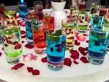 玻璃用五颜六色的水 库存照片