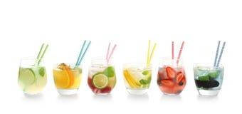 玻璃用鲜美柠檬水 免版税图库摄影
