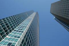 玻璃的大厦 免版税库存图片