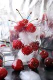 玻璃的樱桃 库存图片