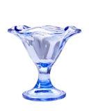 玻璃蓝色冰淇凌碗 免版税库存照片