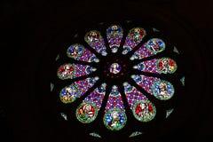 玻璃被弄脏的视窗 大教堂圣玛丽亚Maior de里斯本,葡萄牙 图库摄影