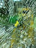 玻璃被打碎的视窗 免版税库存照片
