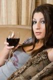 玻璃酒妇女 库存照片