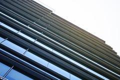 玻璃门面现代修造的外部建筑学摘要 免版税库存照片
