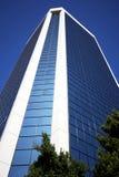 玻璃隐约地出现的塔 免版税库存照片
