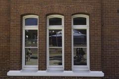 珀斯,西澳州/澳大利亚- 01/20/2013 :当代艺术珀斯学院, 12点活字大厦 免版税库存照片