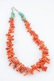 珊瑚和绿松石项链。 库存照片