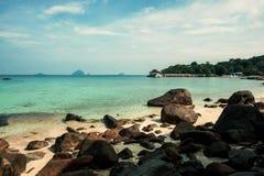 珊瑚海湾海滩 库存照片