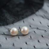 珍珠earings 库存图片