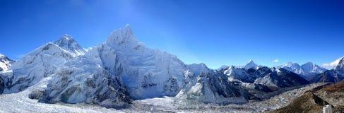 珠峰和Khumbu冰川从Kala Patthar, 库存照片