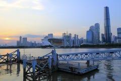 珠江在广州市的日落风景 库存照片