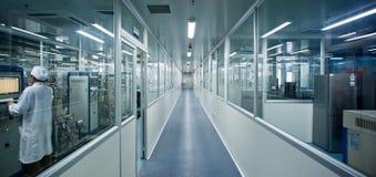 军医在实验室 库存照片
