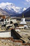 珠穆朗玛峰和flannelette寺庙 库存图片