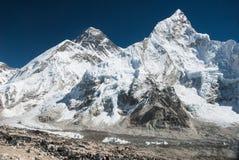 珠穆朗玛峰和Nuptse,尼泊尔 库存图片