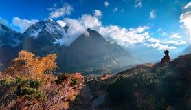 珠穆琅玛东部倾斜风景 免版税库存照片