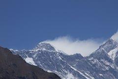 珠穆琅玛挂接山顶 免版税图库摄影