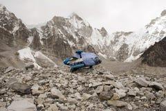 珠穆琅玛直升机尼泊尔 免版税库存图片