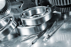滚珠轴承和齿轮零件 库存照片
