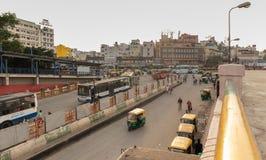 班加罗尔印度2019年6月3日:加入Kempegowda公交车站的公共汽车叫作庄严在早晨时间交通期间 库存照片