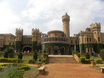 班加罗尔,卡纳塔克邦,印度- 11月23日2018年班加罗尔宫殿全景 图库摄影