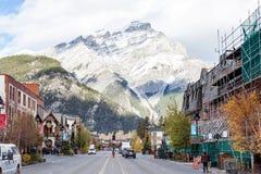 班夫Townsite在加拿大罗基斯,加拿大 免版税库存图片