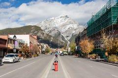 班夫Townsite在加拿大罗基斯,加拿大 库存照片