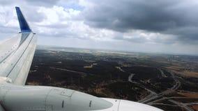 班机在恶劣天气情况登陆 库存照片