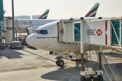 班机在机场 免版税库存照片
