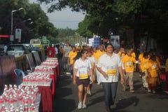 班格洛女孩马拉松人们运行的年轻人 免版税库存图片