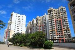 班格洛,卡纳塔克邦,印度- 2015年12月13日:五颜六色的公寓在班格洛市,住宅售屋回家在班格洛a 免版税图库摄影