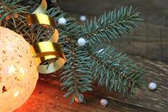 球两个圣诞节图象摄影师使用的属性结构树 免版税库存图片