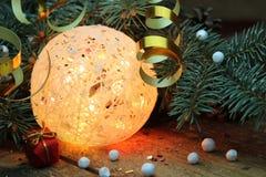 球两个圣诞节图象摄影师使用的属性结构树 免版税图库摄影