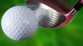 球俱乐部高尔夫球击中 免版税库存图片