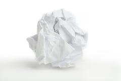 球关闭被弄皱的纸张 免版税库存图片