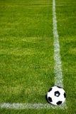 球准备好的射击足球 免版税库存图片