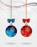 球圣诞节夫妇向量 免版税库存照片