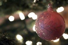 球圣诞节粉红色 免版税图库摄影