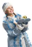 球圣诞节装饰女孩 免版税图库摄影