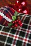 球圣诞节装饰模式苏格兰人 免版税库存图片
