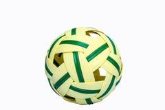 球在白色bacground的Takrow体育 免版税图库摄影