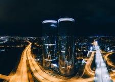 球形行星里加市360 VR寄生虫图片的夜房子虚拟现实的,全景塔 库存图片