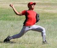 球棒球下来排行球员投掷 免版税库存照片