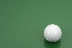 球水平框架的高尔夫球 免版税库存照片