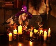 球水晶巫婆 免版税库存图片