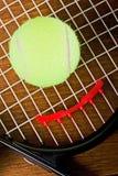 球特写镜头球拍网球 库存图片