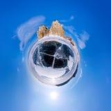 球状全景360 180度在海岛上的海角僧人  库存照片